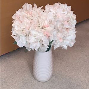 White vase with or without flowers!!